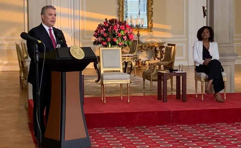 Presidente de la República, Iván Duque Márquez, junto a la Ministra de CTeI, Mabel Torres.