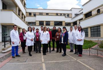 Brinda servicios de salud ambulatorios especializados en dermatología