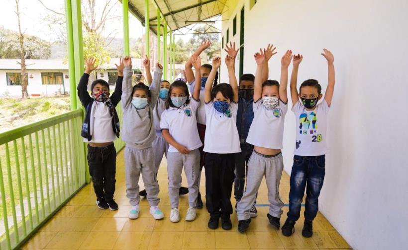 •El 22, 23 y 24 de septiembre en Manizales, Caldas, 26 de 32 grupos de niños, niñas y adolescentes de diferentes partes del país presentarán sus proyectos científicos ante un jurado de expertos.