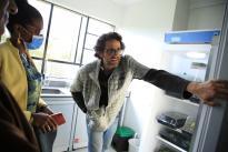 Visitamos la Universidad Nacional para conocer de primera mano las capacidades y los equipos de laboratorio con los que hacen frente al COVID-19. Las universidades, como aliadas estratégicas, son quienes producen conocimiento que disponen a la sociedad.