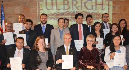 Colciencias y Fulbright entregaron 19 becas de doctorado a colombianos