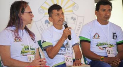 Brigitte Baptiste, directora del Instituto Humboldt, junto a Bernardo Caguasango y Andrés López, expedicionarios / Colciencias - Lina Botero