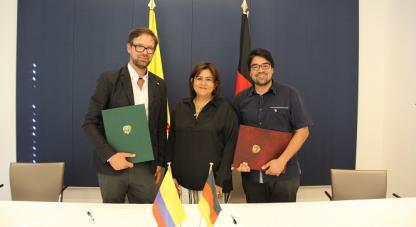 Firma Convenio  IDCBIS y DPZ