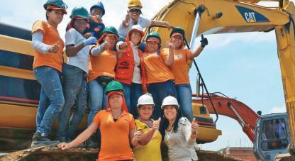 Un grupo de mujeres vallecaucanas han liderado un proceso de capacitación para que la industria de la construcción en Cali incorpore procedimientos de producción limpia y amigables con el medioambiente